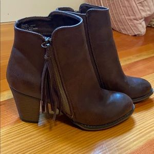 Nine West brown bootie